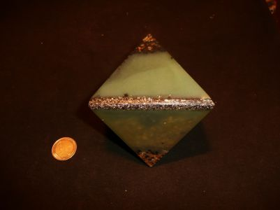 Orgonite double pyramide